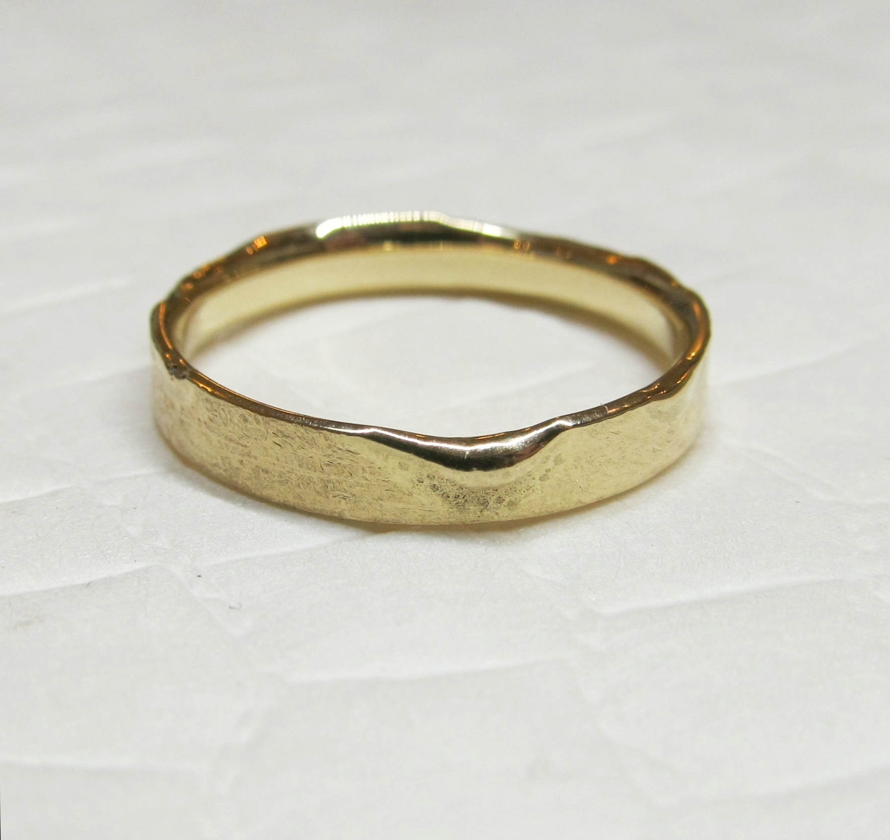 Ring 'Textures' <br> 14k goud 'peach'
