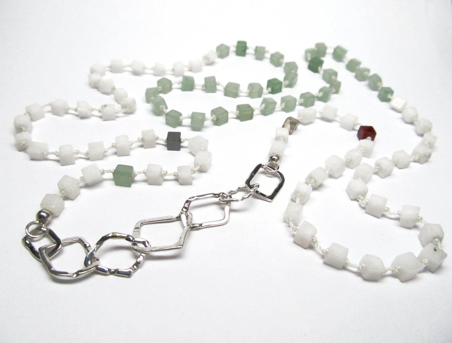 Collier asymmetrisch <br> edelsteen & zilver